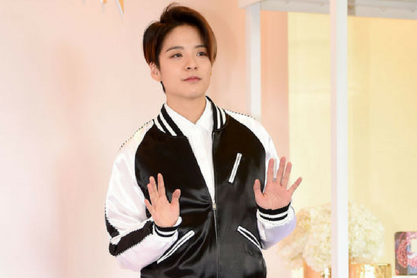 F(x) Amber Filming for a New American Movie