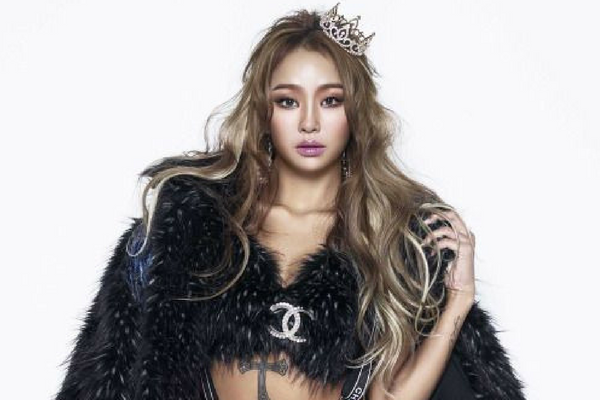 Bridging Management and Artistry, Hyolyn Takes Charge of her Career