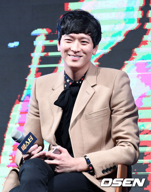 """Gang Dong-won Cast in Hollywood Movie """"Tsunami L A """" 