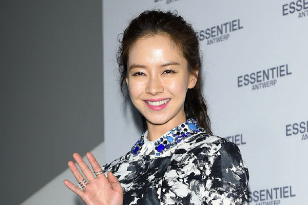 Actress Song Ji-hyo Voted As the 'K-Beauty Muse' by the Public