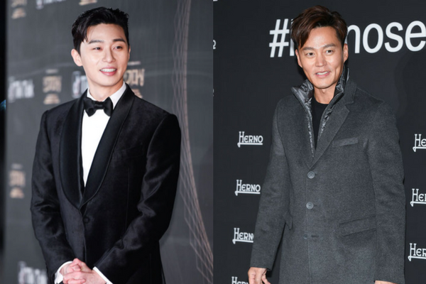 """Lee Seo-Jin and Park Seo-Jun Earn Praise for their Good Looks on """"Youn's Kitchen"""""""