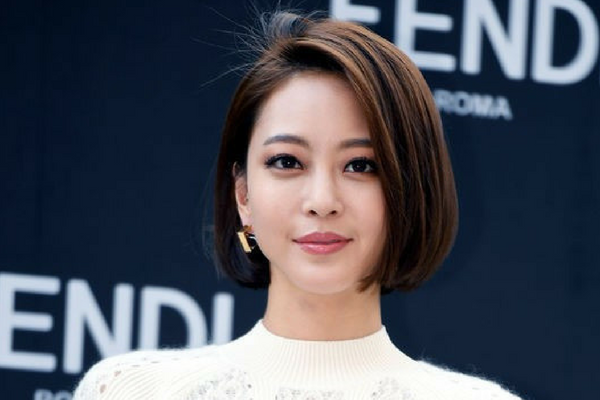 Han Ye-Seul's Medical Accident Has Led to a Blue House Petition