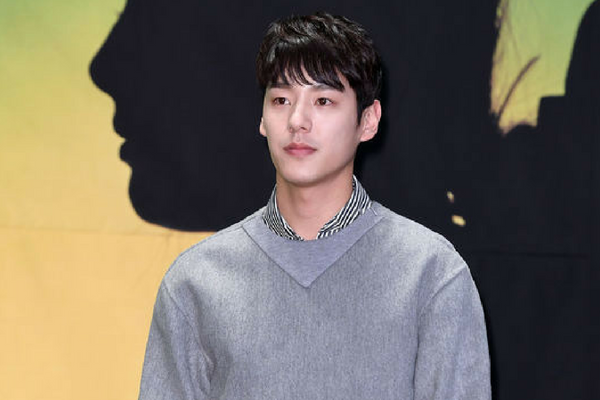 Actor Kwak Si-Yang Gains and Loses Back 10kg For a Movie and