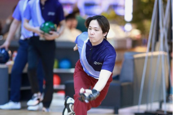 F.T. Island Lee Hong-ki Goes On to 2nd Round of Professional Bowling Tournament