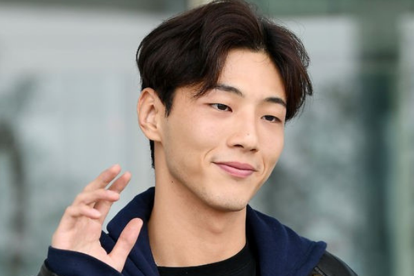 Ji-Soo Talks About His Role in Upcoming Netflix Drama 'First Love for the First Time'
