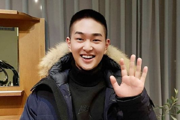 SHINee Onew Reveals New Haircut and Leaves Message to Fans Prior to Military Enlistment