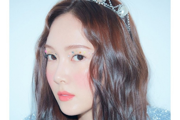Jessica Talks About Her Sister Krystal in New Photoshoot Interview