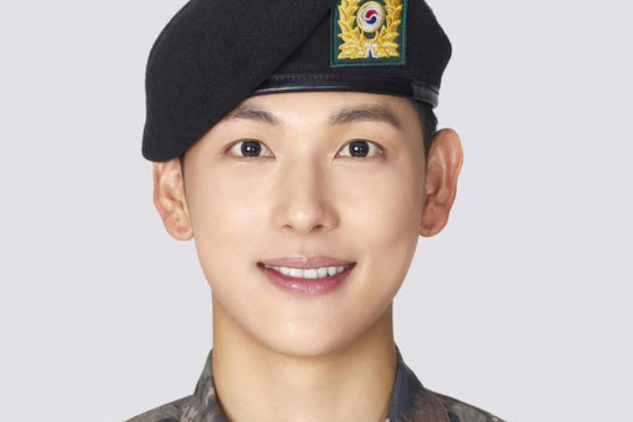 Im Si-Wan to Comeback with Webtoon-Based Drama after Military Discharge