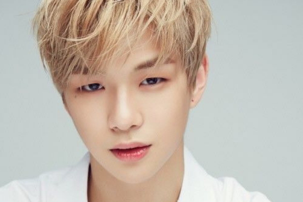 People Want to Give Chocolates to Kang Daniel for V-Day