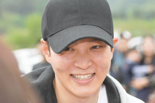 Actor Joo Won Officially Discharged from Military Today