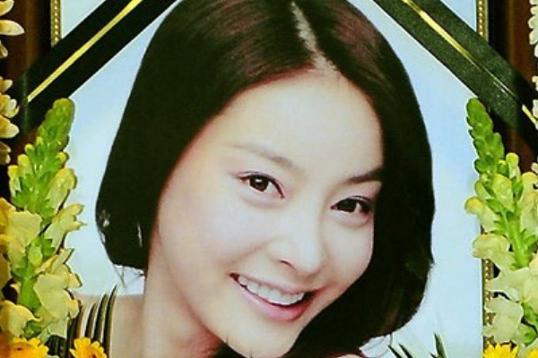 Gains Made in the Late Jang Ja-Yeon Case Gets Buried Under Celebrity Scandals