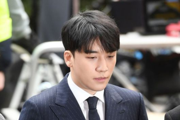 Seungri Might Postpone His Military Enlistment Due to Ongoing Investigation